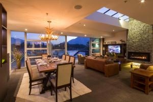 Shotover Penthouse & Spa, Apartmanok  Queenstown - big - 4