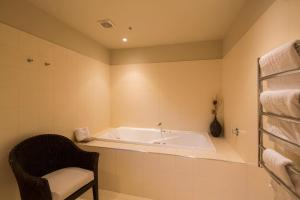 Shotover Penthouse & Spa, Apartmanok  Queenstown - big - 6