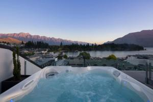 Shotover Penthouse & Spa, Apartmanok  Queenstown - big - 10