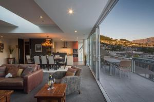 Shotover Penthouse & Spa, Apartmanok  Queenstown - big - 13