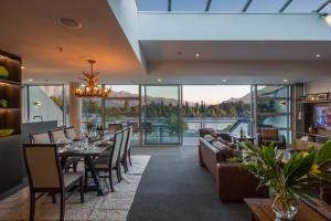 Shotover Penthouse & Spa, Apartmanok  Queenstown - big - 1