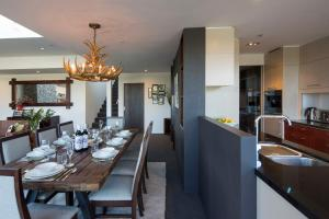 Shotover Penthouse & Spa, Apartmanok  Queenstown - big - 17