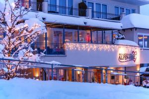 Alpen-Herz Romantik & Spa - Adults Only, Szállodák  Ladis - big - 52