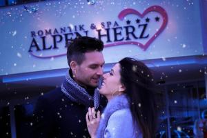Alpen-Herz Romantik & Spa - Adults Only, Szállodák  Ladis - big - 51