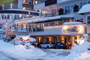 Alpen-Herz Romantik & Spa - Adults Only, Szállodák  Ladis - big - 53