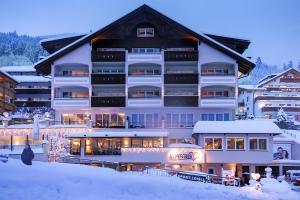 Alpen-Herz Romantik & Spa - Adults Only, Szállodák  Ladis - big - 58