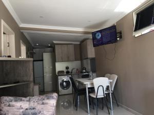 Apartment Aghmashenebeli 3, Апартаменты  Бакуриани - big - 18