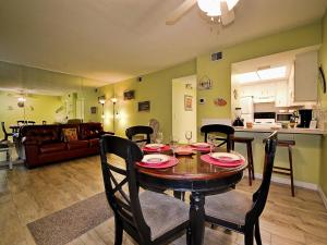 Gone Beaching 202, Apartmanok  Clearwater Beach - big - 23