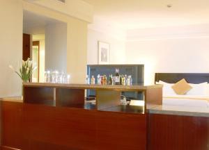 Ningbo Portman Plaza Hotel, Hotely  Ningbo - big - 8