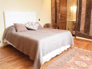 Three-Bedroom Holiday Home in Gournay-en-Bray, Case vacanze  Gournay-en-Bray - big - 10