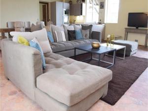 Three-Bedroom Holiday Home in Gournay-en-Bray, Case vacanze  Gournay-en-Bray - big - 9