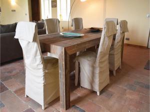 Three-Bedroom Holiday Home in Gournay-en-Bray, Case vacanze  Gournay-en-Bray - big - 5