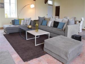 Three-Bedroom Holiday Home in Gournay-en-Bray, Case vacanze  Gournay-en-Bray - big - 4
