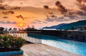 The Deck Patong Condo by Joy, Appartamenti  Patong Beach - big - 73
