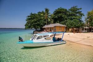 Celebesdivers Onong and 5* PADI Dive Center