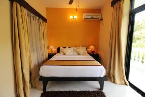 OYO Home 10798 Premium Studio Paroda, Апартаменты  Sirvoi - big - 16