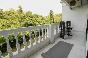 OYO Home 10798 Premium Studio Paroda, Апартаменты  Sirvoi - big - 2