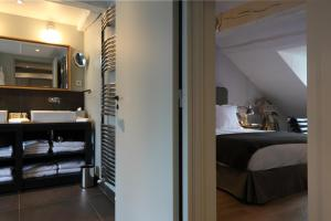 Suite - Family Room
