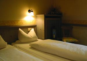 Gasthof & Hotel Goldene Krone, Hotely  Iphofen - big - 9