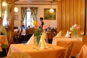 Gasthof & Hotel Goldene Krone, Hotely  Iphofen - big - 16