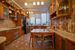 Royal Apartment on Petrozavodskaya, Апартаменты  Москва - big - 12