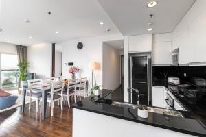 Christina's Hanoi - Lancaster City Living, Apartmány  Hanoj - big - 56