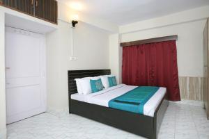 OYO Home 10404 3BHK The Mall Shimla