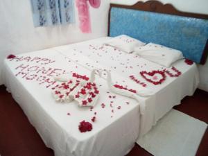 Nilaveli Beach Rooms, Bed and breakfasts  Nilaveli - big - 136