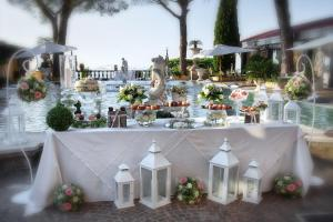 Grand Hotel Helio Cabala, Hotely  Marino - big - 35