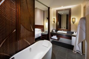 Hilton Sanya Yalong Bay Resort & Spa, Resorts  Sanya - big - 26