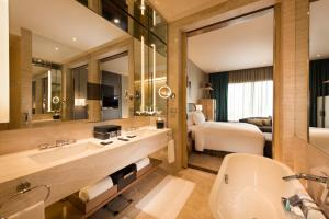 Conrad Pune - Luxury by Hilton, Hotely  Pune - big - 33