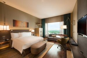 Conrad Pune - Luxury by Hilton, Hotely  Pune - big - 34