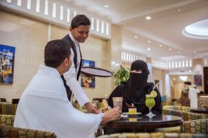 Al Marwa Rayhaan by Rotana - Makkah, Отели  Мекка - big - 66