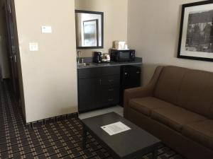 Suite King with Sofa Bed and Bath Tub