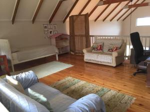Spacious family home in Dunkirk Estate, Case vacanze  Salt Rock - big - 1