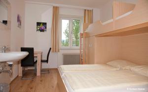 Jugend- und Familiengästehaus Heiligenblut, Hostels  Heiligenblut - big - 81