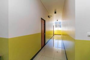 RedDoorz Plus near Pecenongan, Guest houses  Jakarta - big - 14