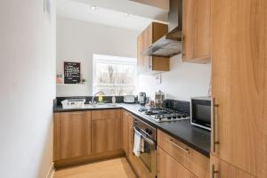 Stunning 2 bed Sleeps 6, 1 min to Bond St, Apartmanok  London - big - 2