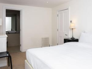 Stunning 3-bed 3-bath in Kensington, Ferienwohnungen  London - big - 7