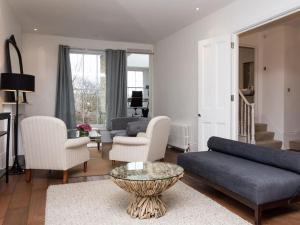 Stunning 3-bed 3-bath in Kensington, Ferienwohnungen  London - big - 26