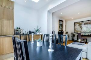 Entire Home in Islington sleeps 4 with garden, Апартаменты  Лондон - big - 14