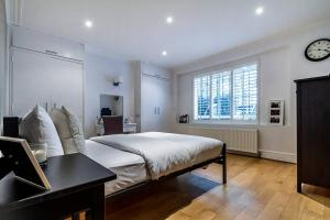 Entire Home in Islington sleeps 4 with garden, Апартаменты  Лондон - big - 15