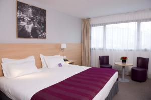 Standard Room with one double bed Park and Stay