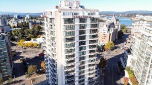 DoubleTree by Hilton Hotel & Suites Victoria, Hotels  Victoria - big - 61