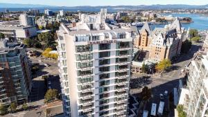 DoubleTree by Hilton Hotel & Suites Victoria, Hotels  Victoria - big - 59