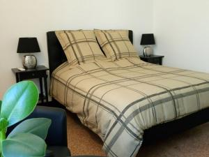 Le Clos Chez Michel, Bed & Breakfasts  Montpellier - big - 20