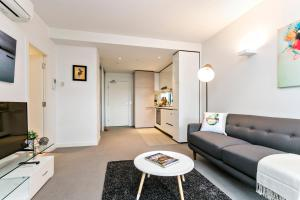 COMPLETE HOST St Kilda Rd Apartments, Апартаменты  Мельбурн - big - 63