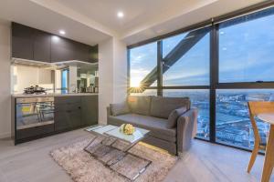 Melbourne Skyline 2 Bedroom Apt@La Trobe Tower