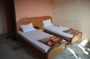Hotel Decent