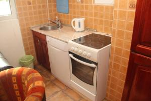 Guesthouse Monte Top Ksenia D, Affittacamere  Budua - big - 19